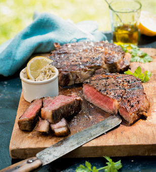 Rib-Eye-Steaks mit Sardellen-Kapern- Butter